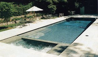 Pool Cleaning Woodland Hills CA