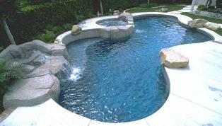 Pool Cleaning Brentwood CA